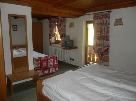 Hotel cime bianche updated 2017 inn reviews price for Hotel meuble gorret