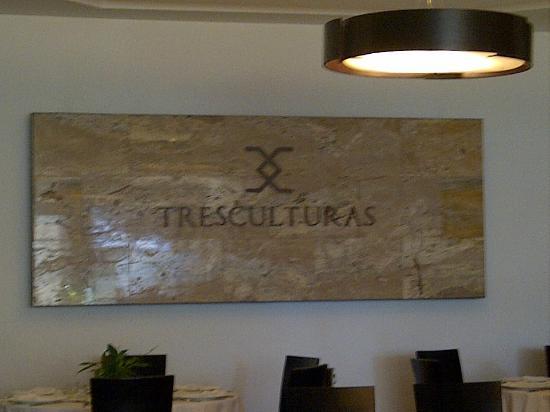 Tresculturas: Salon Tres Culturas
