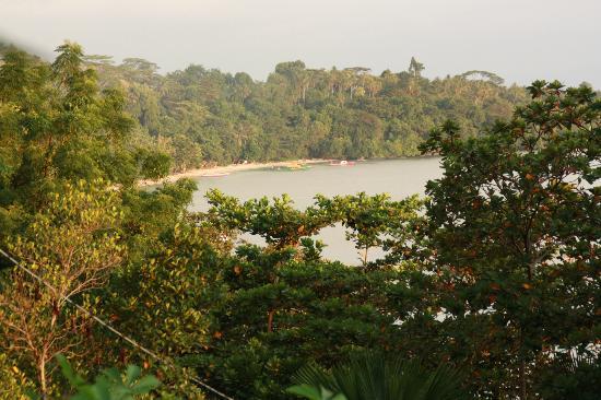 Happy Gecko Resort Bunaken (Cicak Senang): Bungalows y vistas