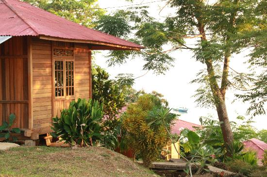 Happy Gecko Resort Bunaken (Cicak Senang): Bungalows y vistas