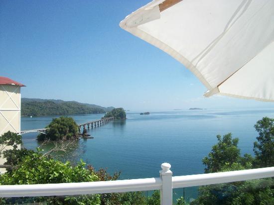 Grand Bahia Principe Cayacoa: paysage de l hotel