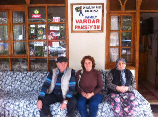 Vardar Family Pension: Family (owners) missing one daughter