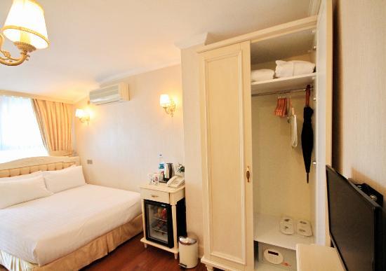 Historia Hotel: Deluxe Room