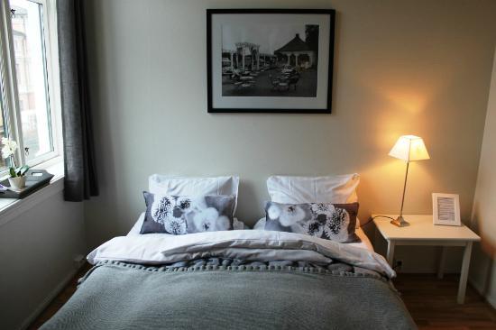 Ellingsens Pensjonat: Double room.