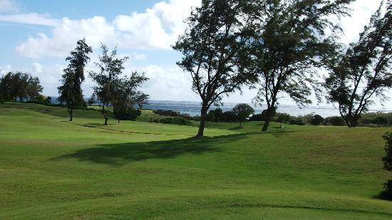 Poipu Bay Resort Golf Course: Back nine along the ocean