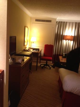 Heathrow/Windsor Marriott Hotel : room