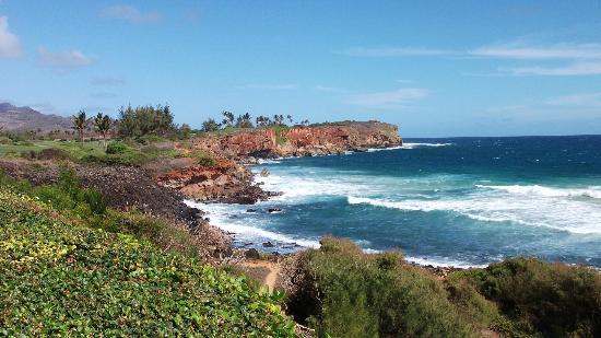 Poipu Bay Resort Golf Course: Back nine along ocean
