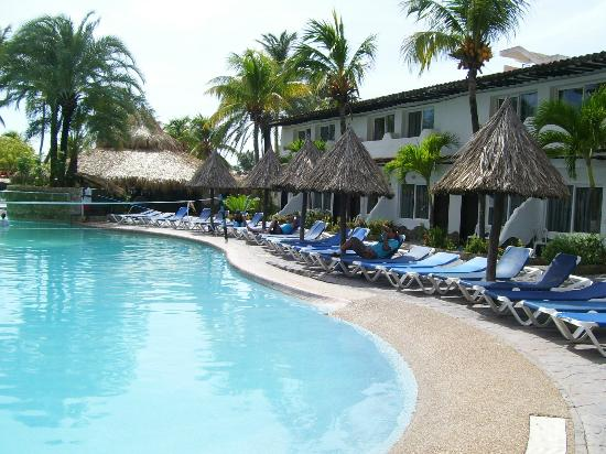 Isla Caribe Beach Hotel: Piscina área Tropical