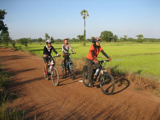 ‪Sukhothai Bicycle Tour‬