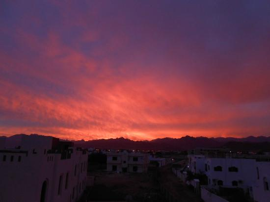 El Primo Hotel Dahab: Sonnenuntergang vom Dach des El Primo