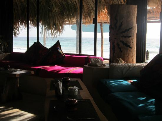 Luv Tulum : Vue de la plage depuis le restaurant