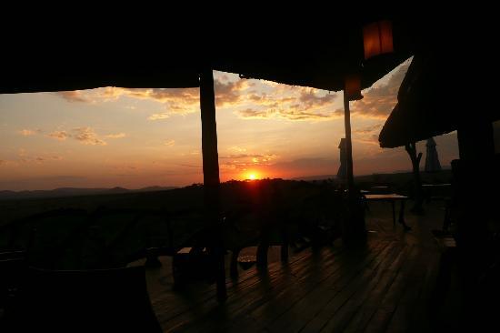 Mbalageti Safari Camp Ltd: Dining terrace
