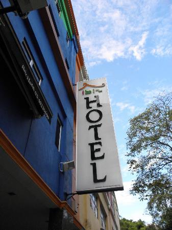 Ibiz Hotel: papan nama