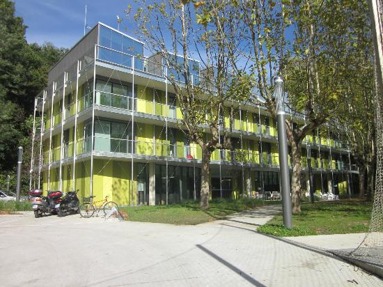 Green Nest Hostel Uba Aterpetxea: Vista exterior