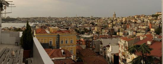 MySuite Istanbul: Blick Richtung Galata-Turm