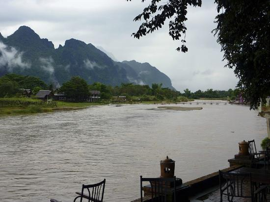 Ban Sabai Riverside Bungalow: View from riverside bar