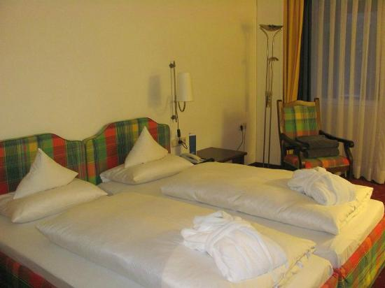 "Hotel ""Das Ludwig"": Zimmer"