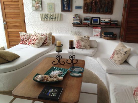 Posada Mediterraneo: Sala de estar