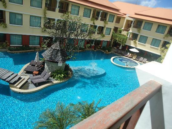 Paragon casino pool