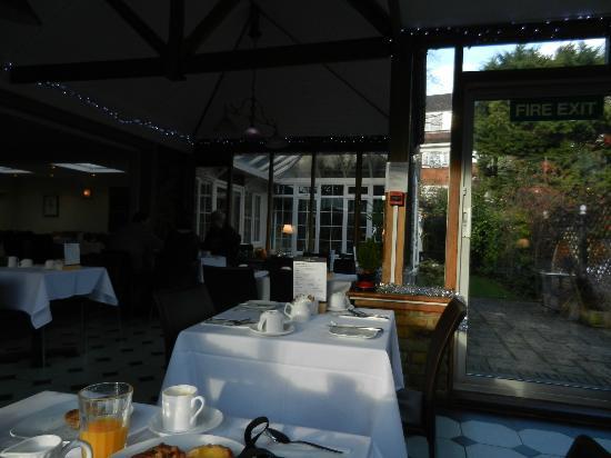 The Lodge Hotel, Putney: sala colazione