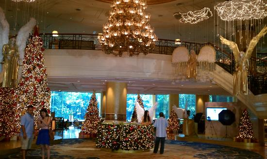 Makati Shangri-La Manila: Christmas at the Shangri-La