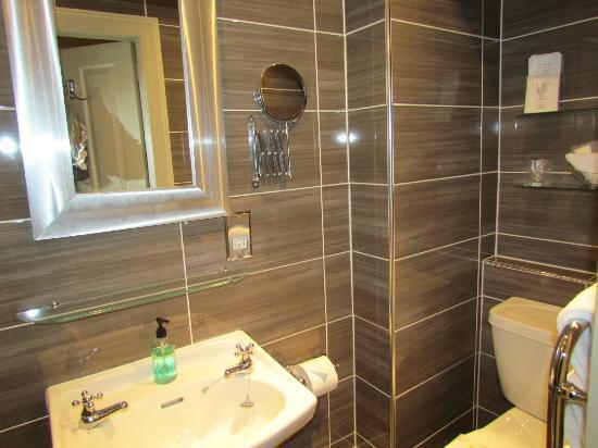 Allandale House: bagno