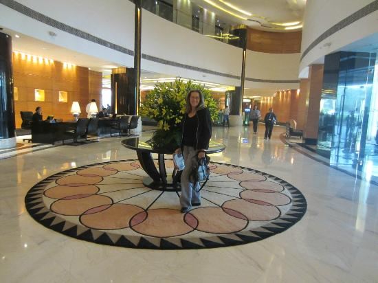 Radisson Blu Plaza Delhi: In front of the Concierge Desk - love the fresh flowers.