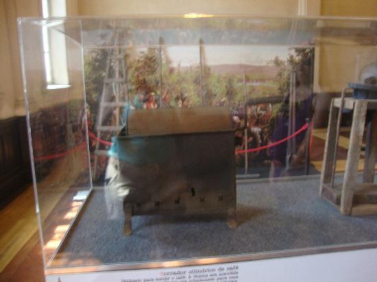 Coffee Museum: Maquina para preparar café antigamente