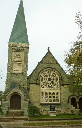 Pullman Historic District : The Green Stone Church rented out to denominations by the Pullman Land Company