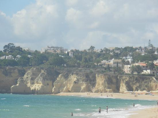 Rosamar 1 Aparthotel : View of cliffs at beach