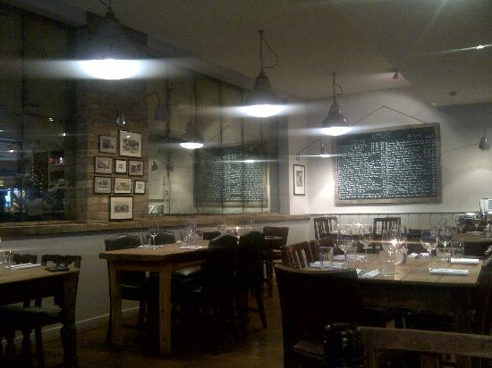 The Brown Cow Public House: Interior
