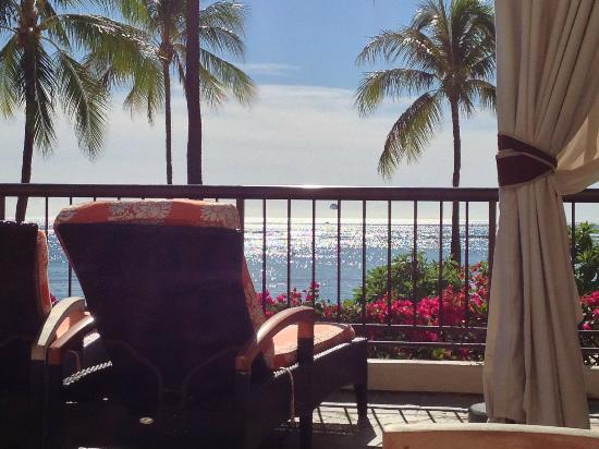 Hilton Hawaiian Village Waikiki Beach Resort : Ali'i Pool Terrace