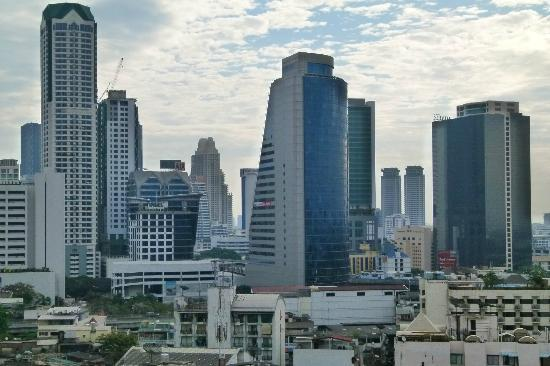 Centre Point Hotel Silom: Bangkok bei Tag (Teilansicht)