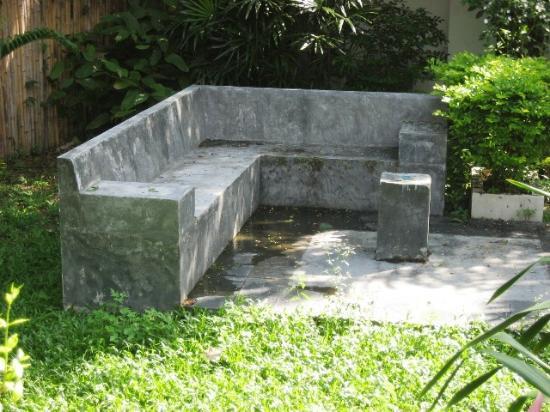 Zara Beach Resort: Wird als gemütliche Sitzgelegenheit im gepflegten Garten beworben