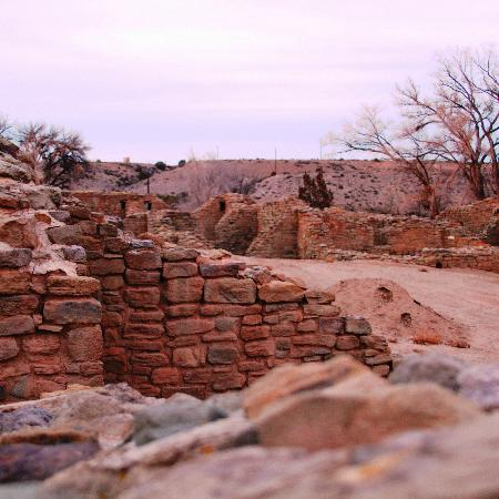 Aztec Ruins National Monument: Stark colors of the ruins before sunset