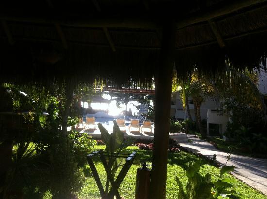 Petit Lafitte: vom Speisesaal zum Pool