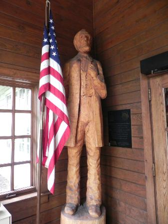 Starved Rock State Park: Hand-carved Lincoln statue