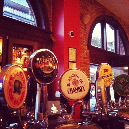 Gladstone Hotel: Yummy Canadian Beer