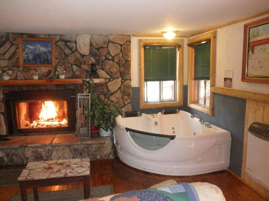 vacation stay boulder for bear at junction cabins the rental less hideaway cabin specials big