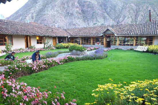 Hotel La Casona De Yucay Valle Sagrado: Blick über einen Innenhof Richtung Rezeptionsgebäude