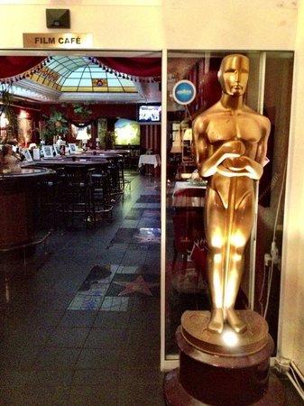Film Hotel : Ресторан при отеле.
