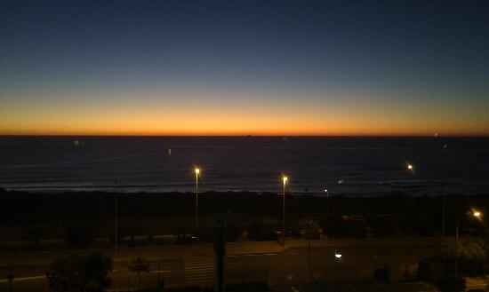 B&B Hotel Alicante: Utsikt från rummet en tidig morgon i november