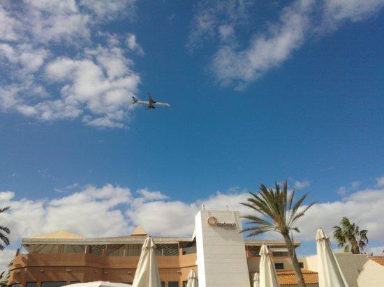 Caybeach Caleta : In the Flight path