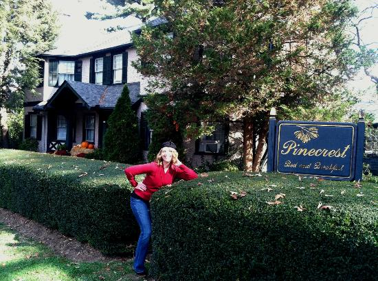 Pinecrest Bed and Breakfast: Birthday girl posing in front of the inn.