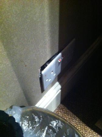 Rossmore Hotel: safe sockets 