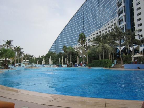 Jumeirah Beach Hotel: Hotel pool