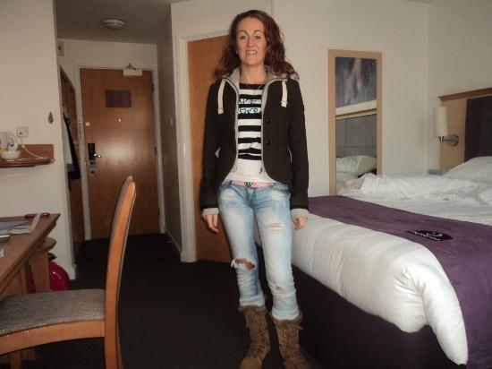 Premier Inn Glasgow City Centre (George Square) Hotel: bedroom big and clean 
