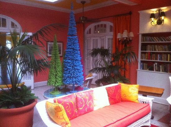 Colony Hotel and Cabana Club : Lobby