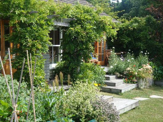 Featherstone B&B: Summer at Featherstone