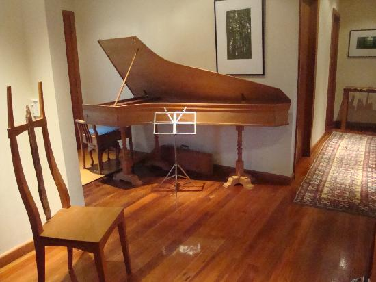 Featherstone B&B: Harpsichord